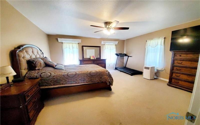 289 Main Street, Helena, Ohio 43435, 3 Bedrooms Bedrooms, 7 Rooms Rooms,2 BathroomsBathrooms,Residential,For Sale,Main,6055397