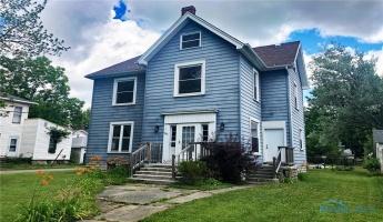 242 College Avenue, Fostoria, Ohio 44830, 5 Bedrooms Bedrooms, 12 Rooms Rooms,2 BathroomsBathrooms,Residential,For Sale,College,6055974