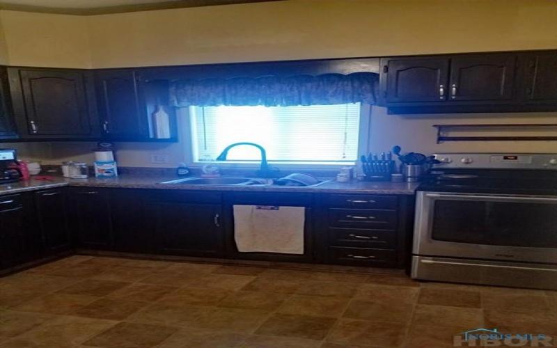 722 Fremont Street, Fostoria, Ohio 44830, 4 Bedrooms Bedrooms, ,2 BathroomsBathrooms,Residential,For Sale,Fremont,H139950